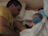 татко и бебе спят